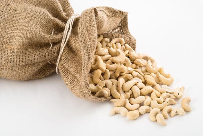 Для мужчин полезны орехи кешью