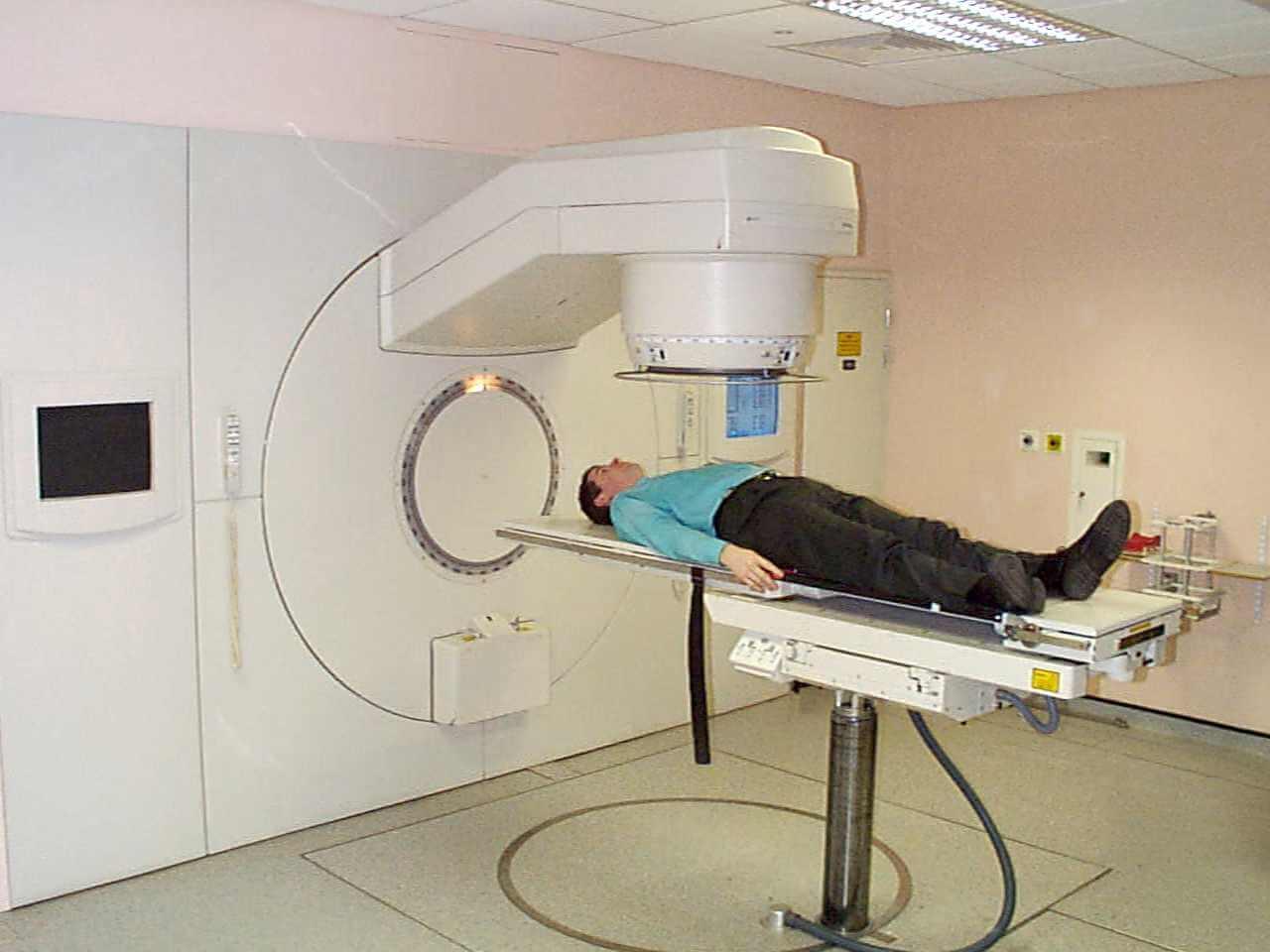 Проыедение бранхотерапии у мужчин