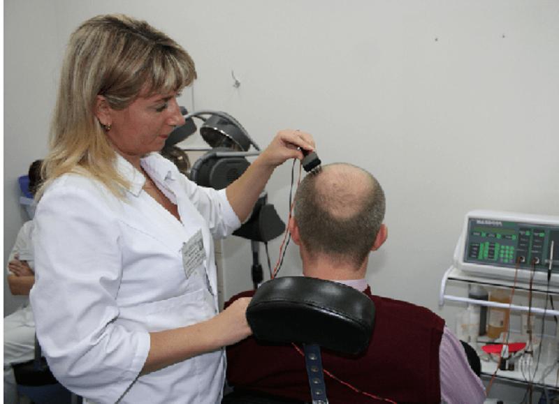 какой врач лечит облысение у мужчин