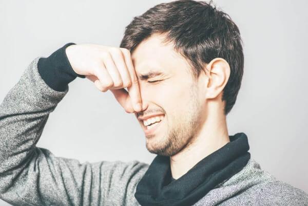 Сильный запах мочи у мужчин причины 26